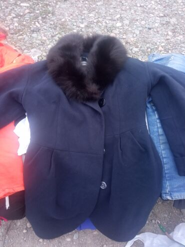 продам бу в Кыргызстан: Продам пальто бу 46 48 размер