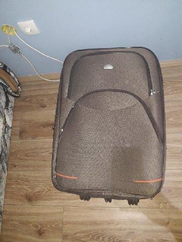 Ostalo | Smederevo: Kofer, veliki. Pokvarena rucka. Sitna ostecenja. Rajfeslusi rade svi