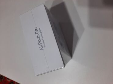 Xoncalarin satisi - Azərbaycan: Apple airpod pro karopkasi acilmiyib magaza satisi 550-600 azn 450e sa