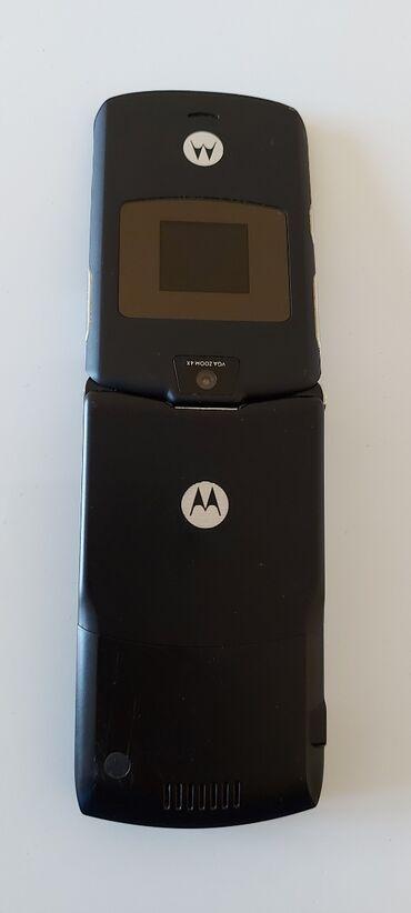 Motorola e1120 - Srbija: Motorola V3 kao nova bez mane na sve mreze, cena extra