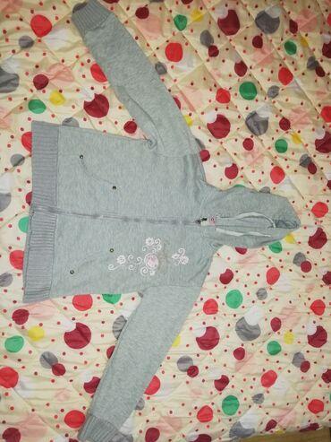 Dečija odeća i obuća - Valjevo: Topla dukserica za devojčice, veličina 12, bez oštećenja