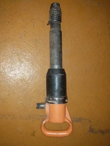 Продаю пневмоинструмент молоток в Кант