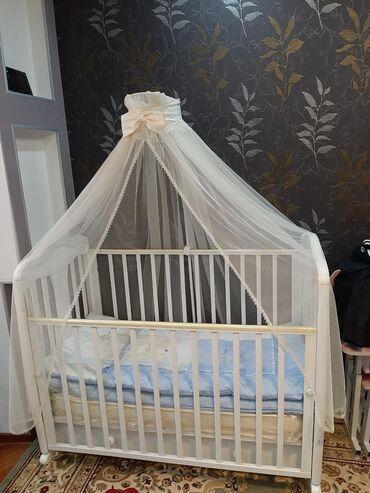 Детская мебель - Цвет: Белый - Бишкек: Продаю манеж почти новый Производитель Германия! покупали в Винипух за