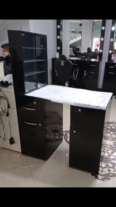 Salon ucun manikur stolu tecili satilir.Salonda remont gedir deye 60 A