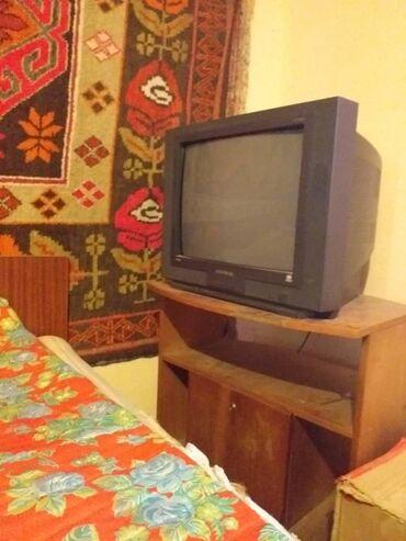 Телевизор с подставкой   (Нет пульта)