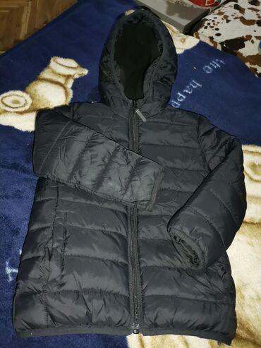 Waikiki zimska jakna postavljena obucena svega 2 puta crna, prelepa vl