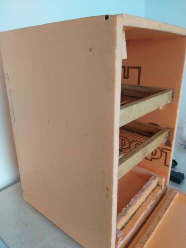 Животные - Бактуу-Долоноту: Инкубатор на 100 яйц .очень хорошо зделанно и качественно и проверенно