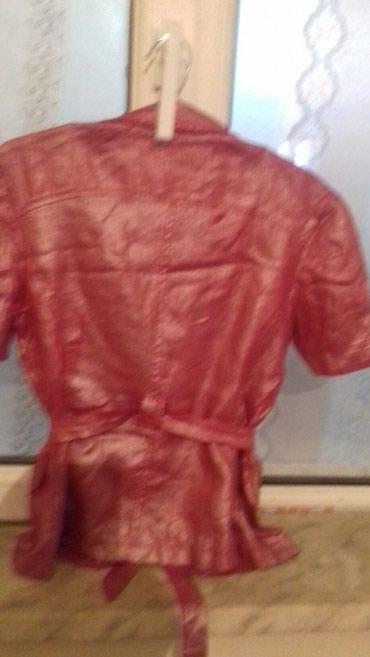 Xırdalan şəhərində Весенний пиджак.с переливистым цветом