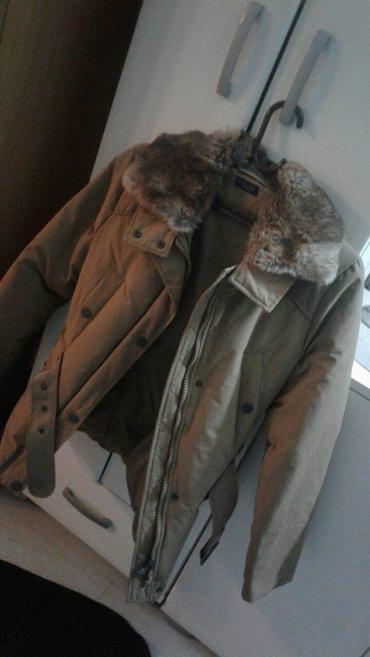 Zimska jakna ss prirodnim krznom oko vrata koje moze da se skida 2x - Nova Varos