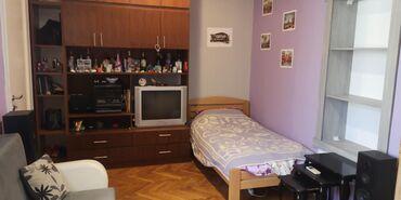 Dugoročno - Srbija: SOBA centar grada, Toplicin venac za jednu ili dve DEVOJKE. Upotreba K