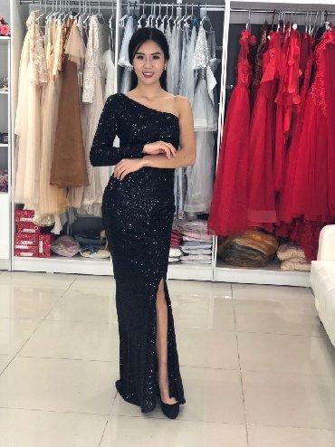 черное платье на свадьбу в Кыргызстан: Платье на прокат        платье русалка в черном цвете подчеркивает ф