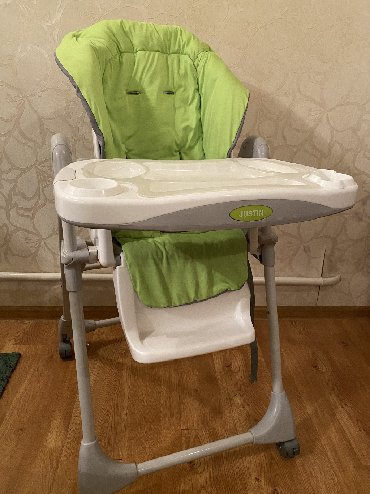 столик детски в Кыргызстан: Детский столик. Цвет салатовый. Фирма Justin. Чехол снимается. Цена