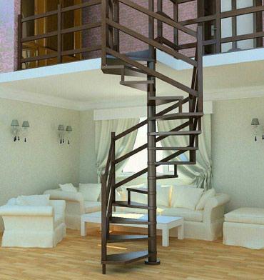 Винтовая лестница на центральном столбе