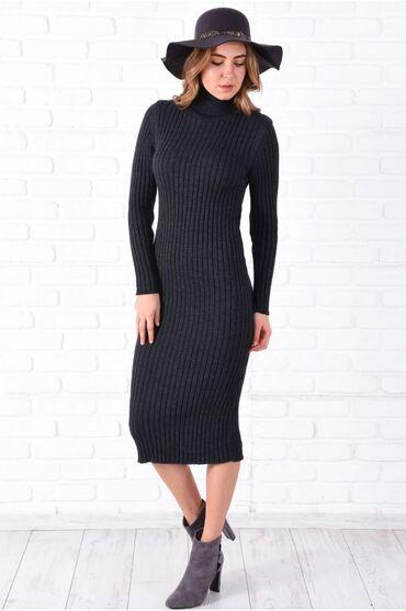 Теплое Платье трикотаж, длина 123 см, ниже колен. Размер стандарт на