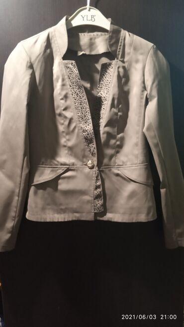 Личные вещи - Кызыл-Туу: Продам пиджак, материал гладкий тонкий. Надевала два раза