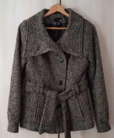 Ženski kaputi - Srbija: Vuneni H&M kaput. Koriscen, bez ostecenja. Zanimljiv kroj. Moze da