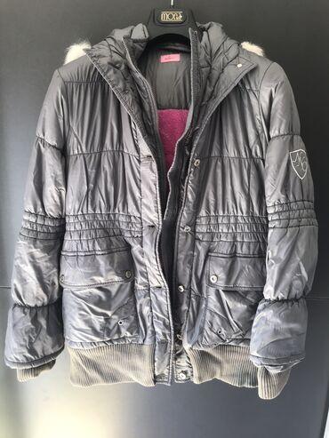 Zimska jakna - Srbija: Topla siva zimska jakna, nova, nikada nosena. Veoma lepa, moderna i