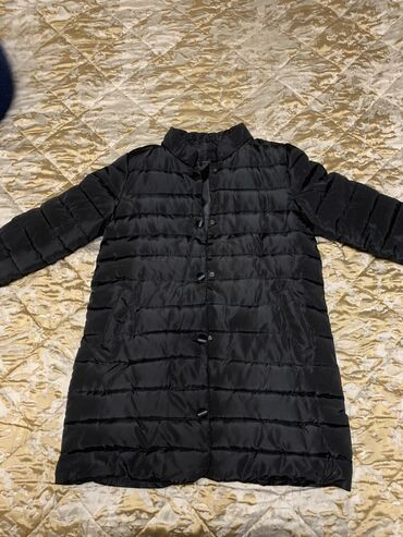 пальто женское зимнее бишкек в Кыргызстан: Продаю зимнюю женскую куртку одели всего 1 раз не подошёл размер
