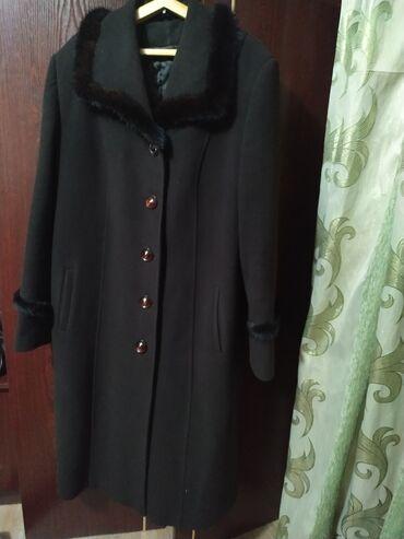 Продаю пальто в хорошем состоянии за 2 шт