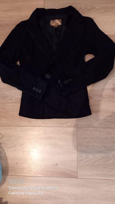 Продаю пиджак в хорошем состоянии  Размер SКорея