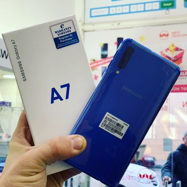 Samsung A7 128gb blue black gold teze qeydiyyatli - Bakı