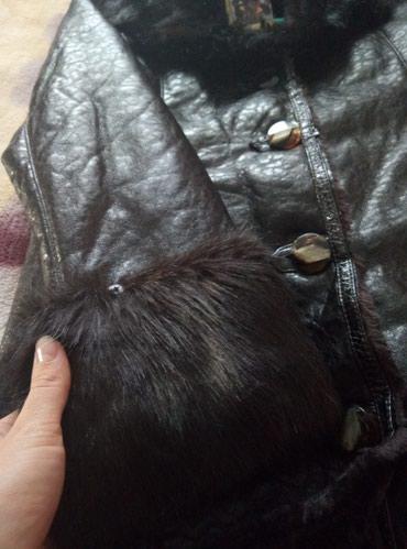 Женские пальто в Бишкек: Дубленка совсем новая подарили но размер маме не подходит 48.50р