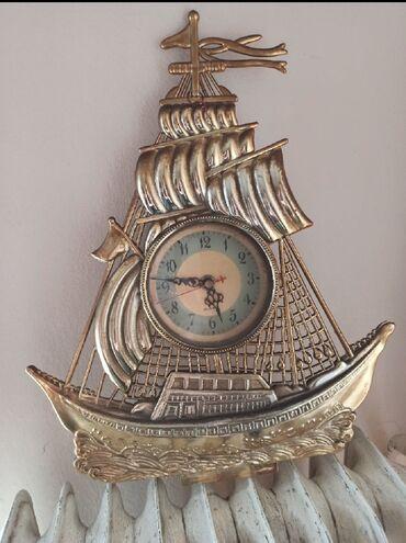 Ρολόι καράβι πλαστικό! θέλει μόνο μπαταρία