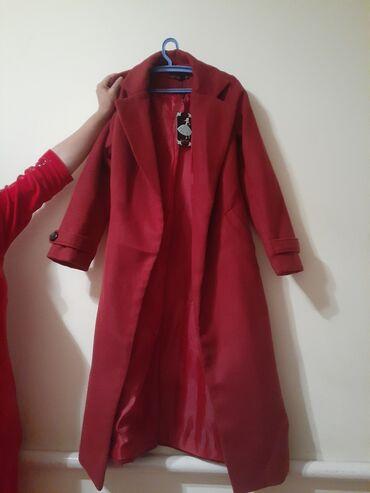 Верхняя одежда в Каракол: Пальто размер 42 1000сом Альпак 3000 сом
