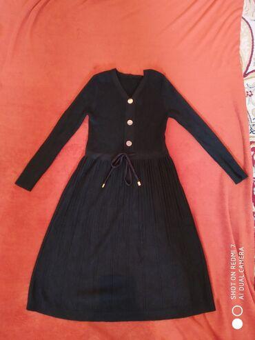трикотажные платья для полных женщин в Кыргызстан: Трикотажное платье, очень теплое, красивое. Почти новое, надевали