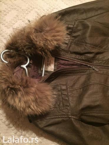 Kozna jaknica braon sa krznom koje se skida,velicina l-xl. Nosena jako - Krusevac