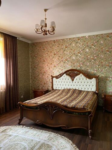 Продам Дом 350 кв. м, 8 комнат