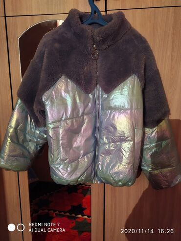 za djoshevo в Кыргызстан: Продаю куртку состояние нового размер не подошли Подойдёт на 42 44 46