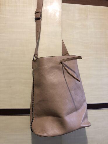Nova torba velika bež boje. Informacije u inbox