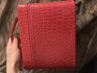 сумка-жен в Кыргызстан: Женский чемоданчик-косметичка. очень вместительная, внутри есть зеркал