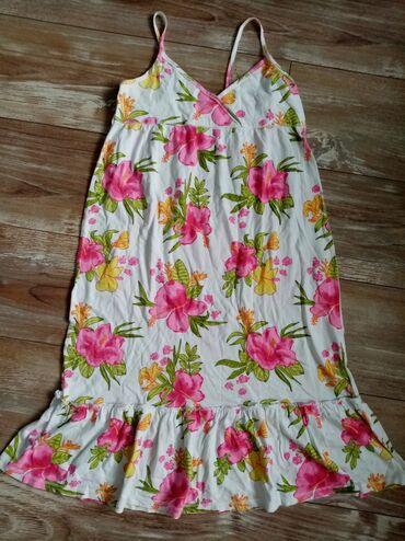 HM haljinica, kao nova, nošena jednom, lagana, naznačena je veličina