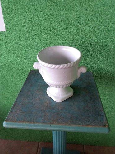 Saksija od keramike ,prelepo za terasu - Sombor