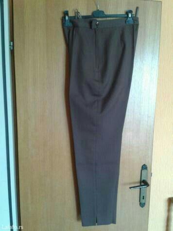 Braon pantalone,napred postavljene do kolena,nove,rajsferslus na - Valjevo