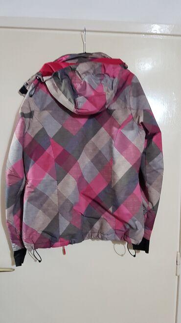 Malo korištena original ellese jaknica sa postavom.Cibzar