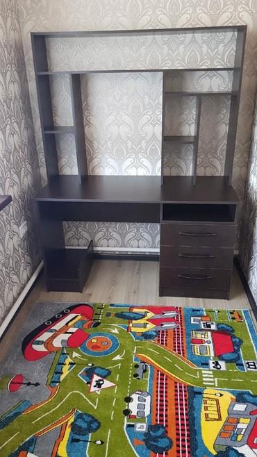 детская кровать компьютерный стол в Кыргызстан: Стол компьютерный