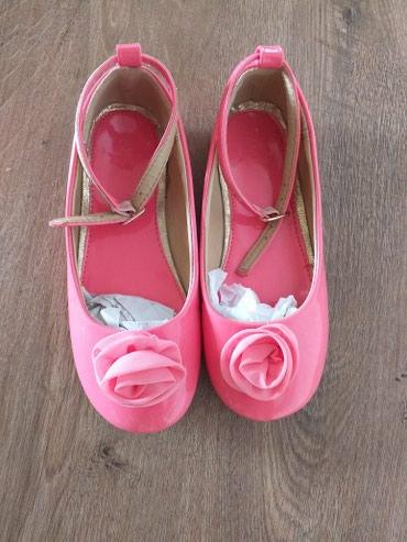 туфли зелёного цвета в Кыргызстан: Туфли на дев,лаковые.Раз 30.5.Цвет кораллы.Идеально подходит на