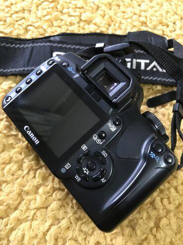 Canon EOS Rebel XTi (EOS 400D) тушка + сумка состояние отличное