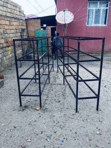 dikt taxta в Азербайджан: Demir polka . Hundurluk 1.50 uzun 3 metr . 2 eded. Qiymeti ikisinede