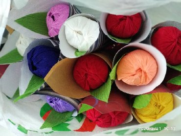 Цветы из бумаги с конфетами - Кыргызстан: ТЮЛПАНЫ из гафри.бумаг.По штучно 25сом по 3шт 70 по 5штук 130сомов.В к