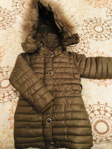 qış üçün uşaq paltoları - Azərbaycan: Qiz Usagi ucun qalin qis kurtkasi. Çox gozel qalir eyinde. 50 azn ali