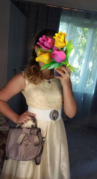 бежевое платье в пол в Кыргызстан: Платье бежевое, вечернее, для особых случаев и торжеств. Ткань –