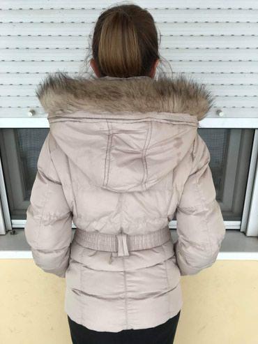 Prodajem zensku zimsku perjanu jaknu, kupljenu u N Sportu, velicina M. - Backa Palanka