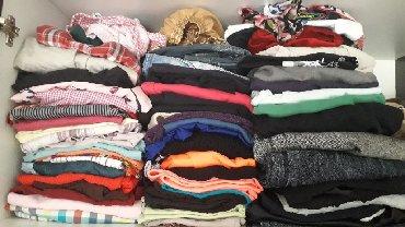 Ostalo | Sremski Karlovci: Paket garderobe ima oko 60 kom to je oko 3000 din. u tom paketu