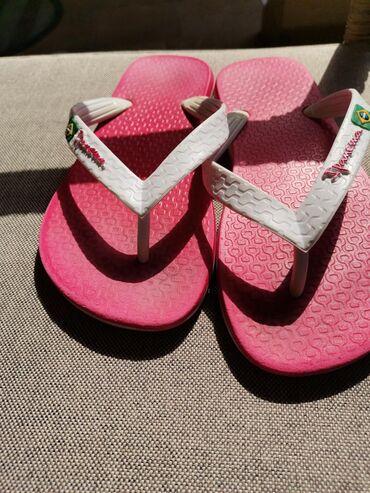 Ženska obuća | Crvenka: IPANEMA japanke nošene dve sezone, u odličnom stanju, broj 35/36