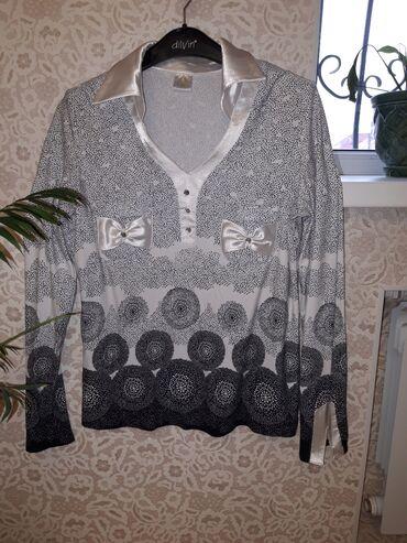 Блузка. Ткань: шелк. Производство: Польша. Размер:42