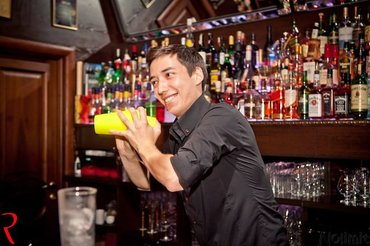 Требуется бармен. - Опыт работы желателен- Активность- в Бишкек